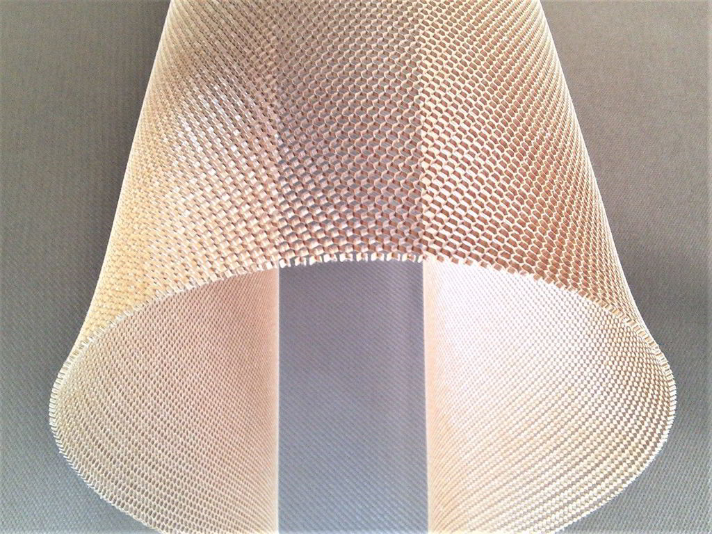 Nomex aramid honeycomb<br>Thickness 1.5 mm<br>Cell size 3.2 mm