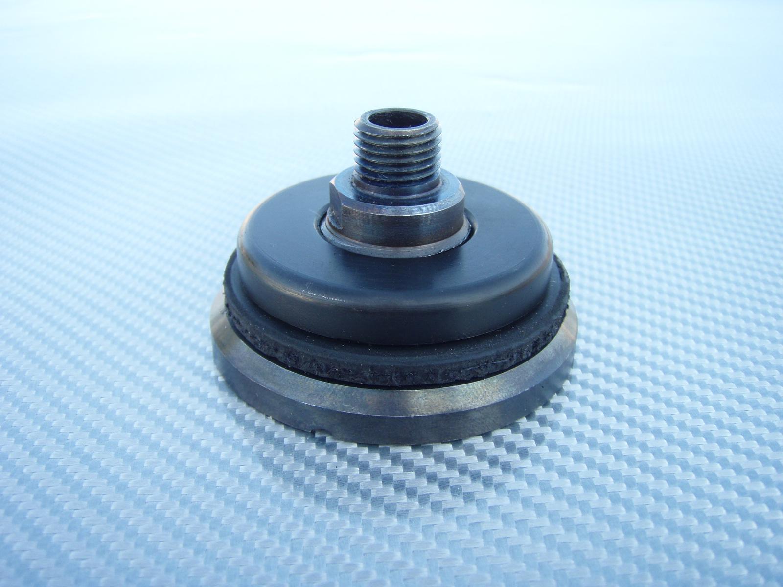 Fabrication d une prise a pompe a vide a moindre cout P7260038